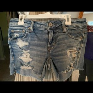 American Eagle shorts with lace pockets